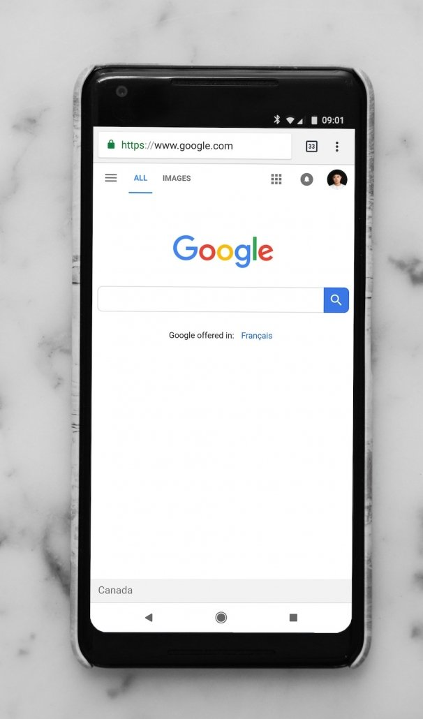 google search engine on mobile phone
